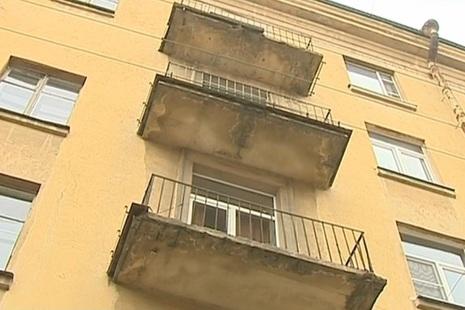 В выборгском районе продолжается проверка балконов.