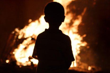 Шалость с огнем стала причиной 2 пожаров